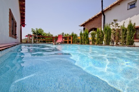 Can prats casa rural en riudecanyes tarragona for Casa rural para 15 personas con piscina