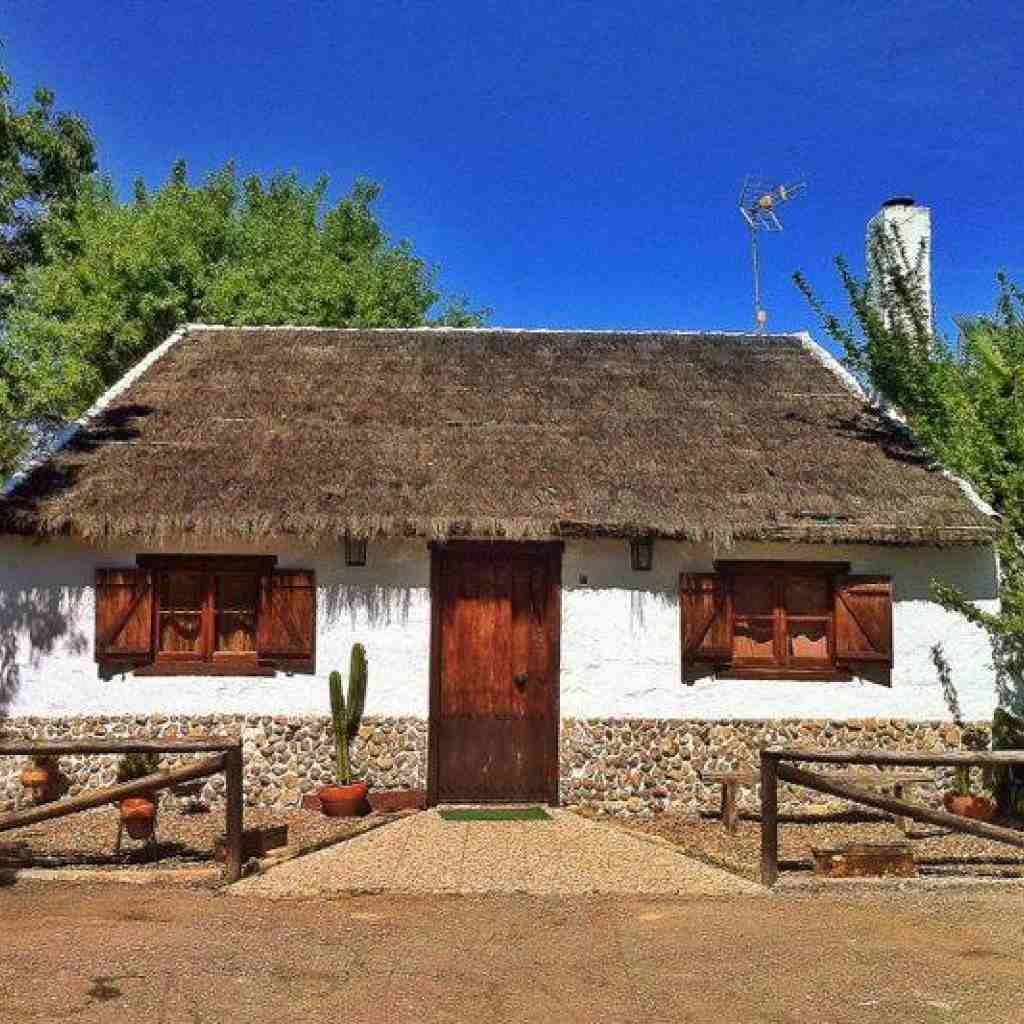 Luna del castillo casa rural en sevilla sevilla - La casa de la luna sevilla ...